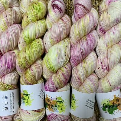 GGY GigglingGecko Socklandia Soxs Yarn Candy Starburst
