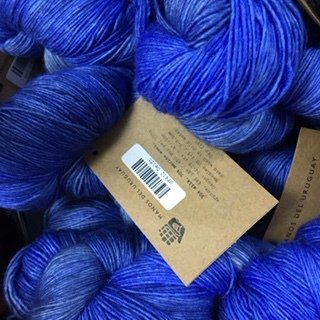 Manos Silk Blend Fino Ivory Delft  SF412