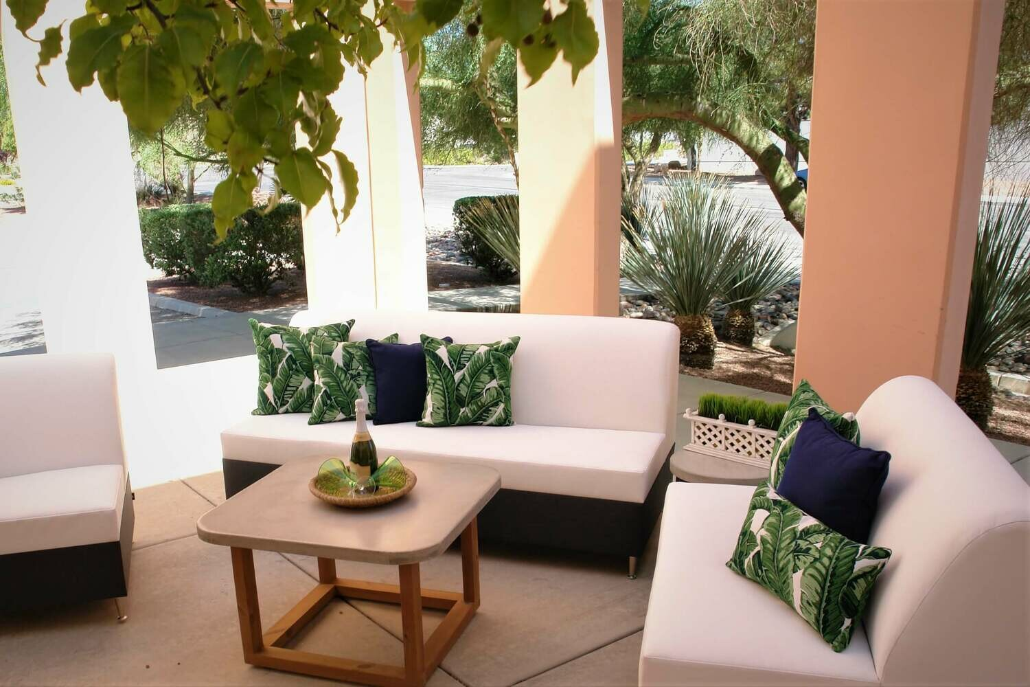 Resort Style 4 Piece Seating Set- 1 Sofa, 1 Loveseat, 1 Corner Chair, 1 Scround Table