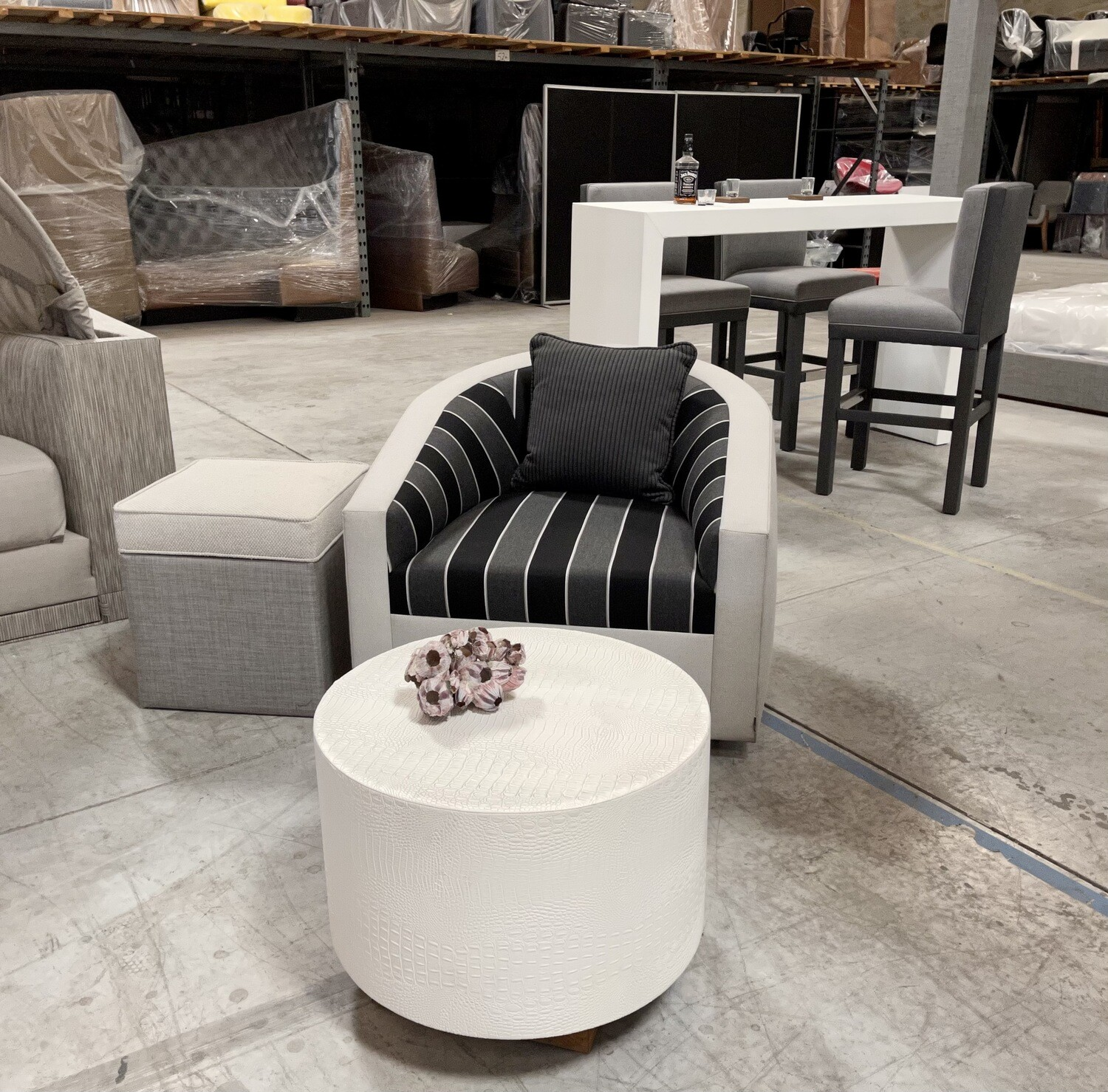 Siesta Key Swivel Chair, Ottoman and Accent Table Set-Samples
