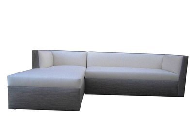 Right Arm Facing Sofa With  Chaise