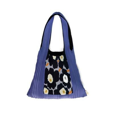 Pleat Bag violet