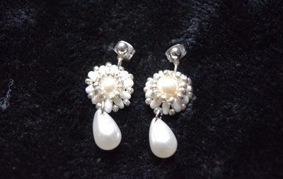Pearl Drop Earrings (Faux Pearl)