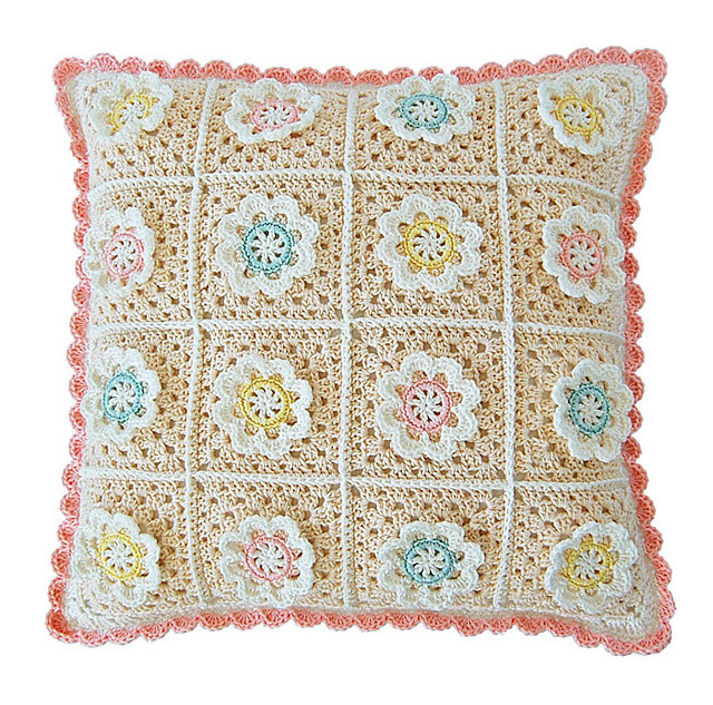 CROCHET PATTERN: Florina Pillow