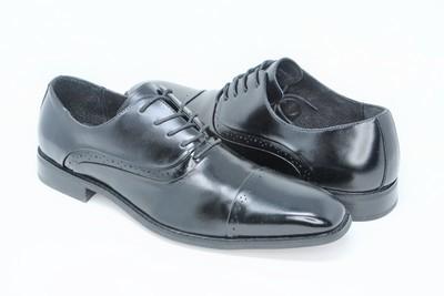 Shoes - Black Cap Toe Stacy