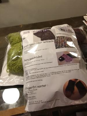 Strikke kit med alle opskrifter og garn til ET HELT SÆT mohair boucle