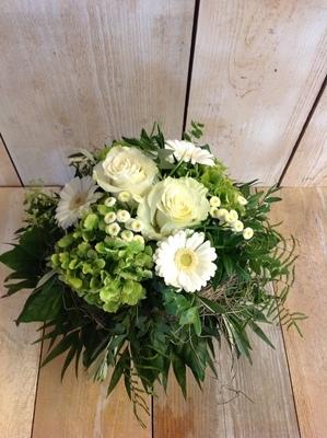 Blumenstrauss Kompakt Weiss