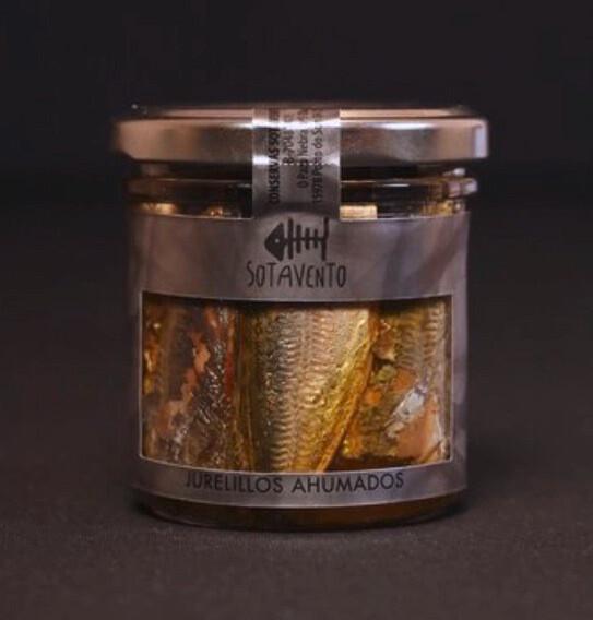 Jurelillos Ahumados de forma natural y cubiertos en Aceite de Oliva Virgen Extra (AOVE) - Sotavento Conservas Artesanas