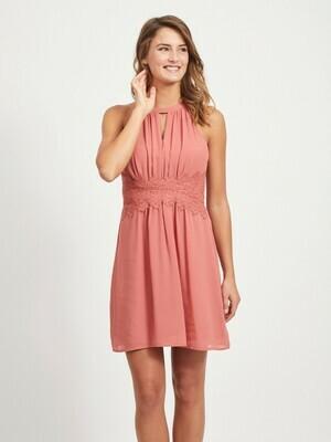 Smuk kjole med halternack fra Vila