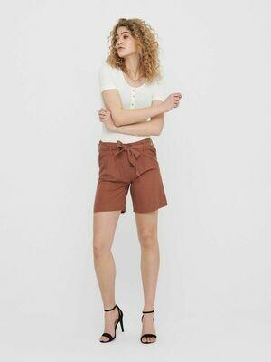 Shorts med høj talje og bindebælte fra Only