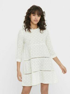 Løstsiddende kort kjole fra Only