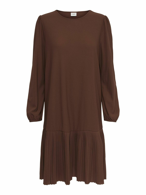 Klassisk kjole med plissè fra JDY