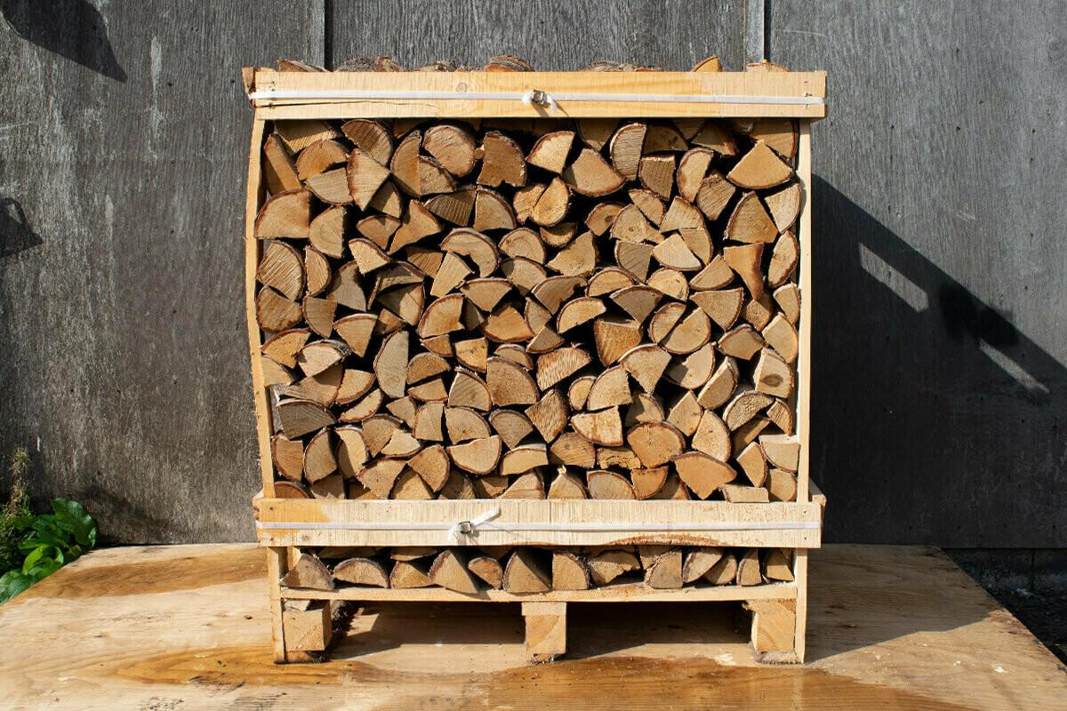 Large Crate of Kiln Dried Oak Logs