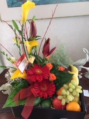 Luscious Fruit & Flower Basket 00009