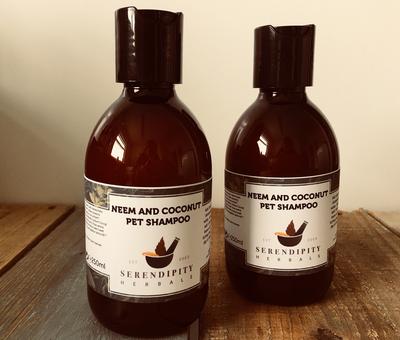 Neem & Coconut Pet Shampoo