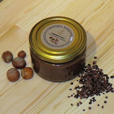 Медовый мусс с какао бобами и фундуком, 250 мл.