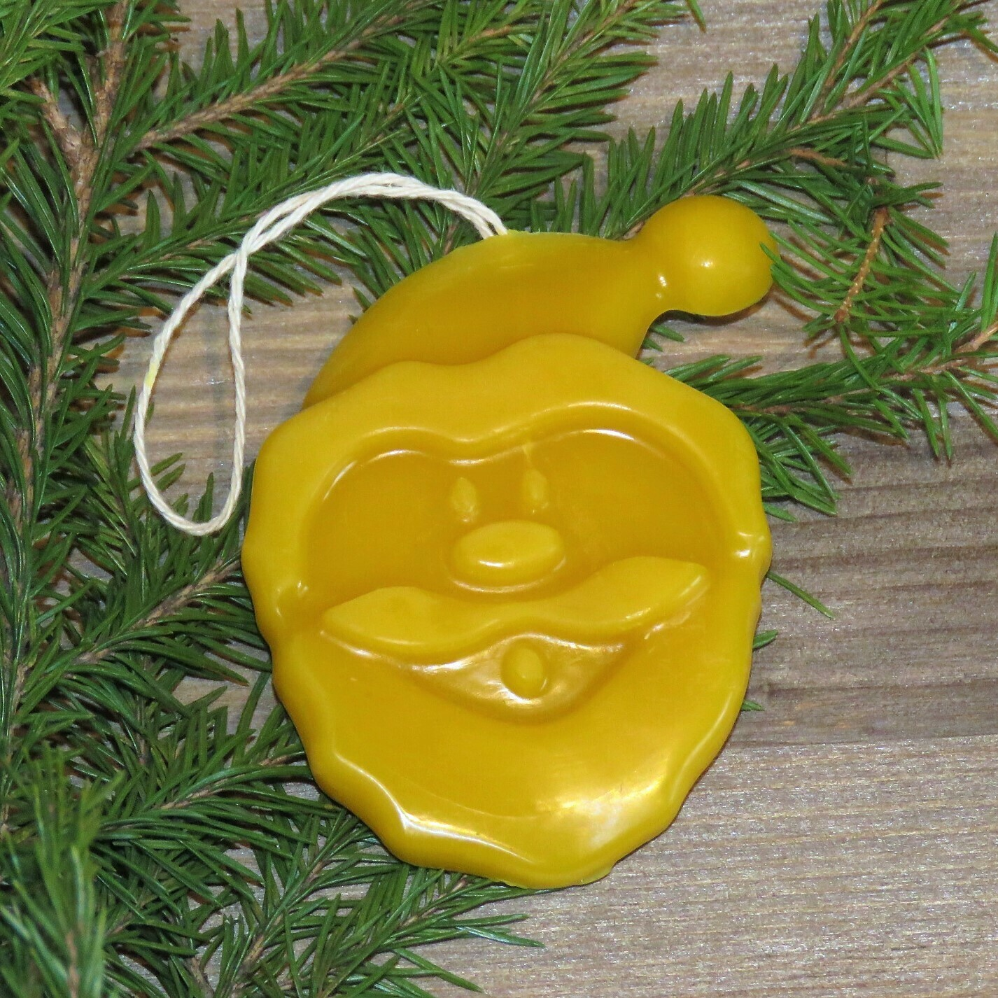 """Елочная игрушка из натурального воска """"Дед Мороз"""""""