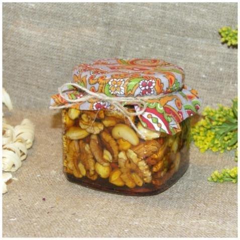 Орехи в меду (россыпью), 390 мл. (8 марта)
