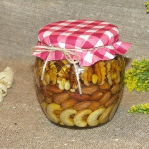 Орехи в меду (рядами), 500 мл. (8 марта)