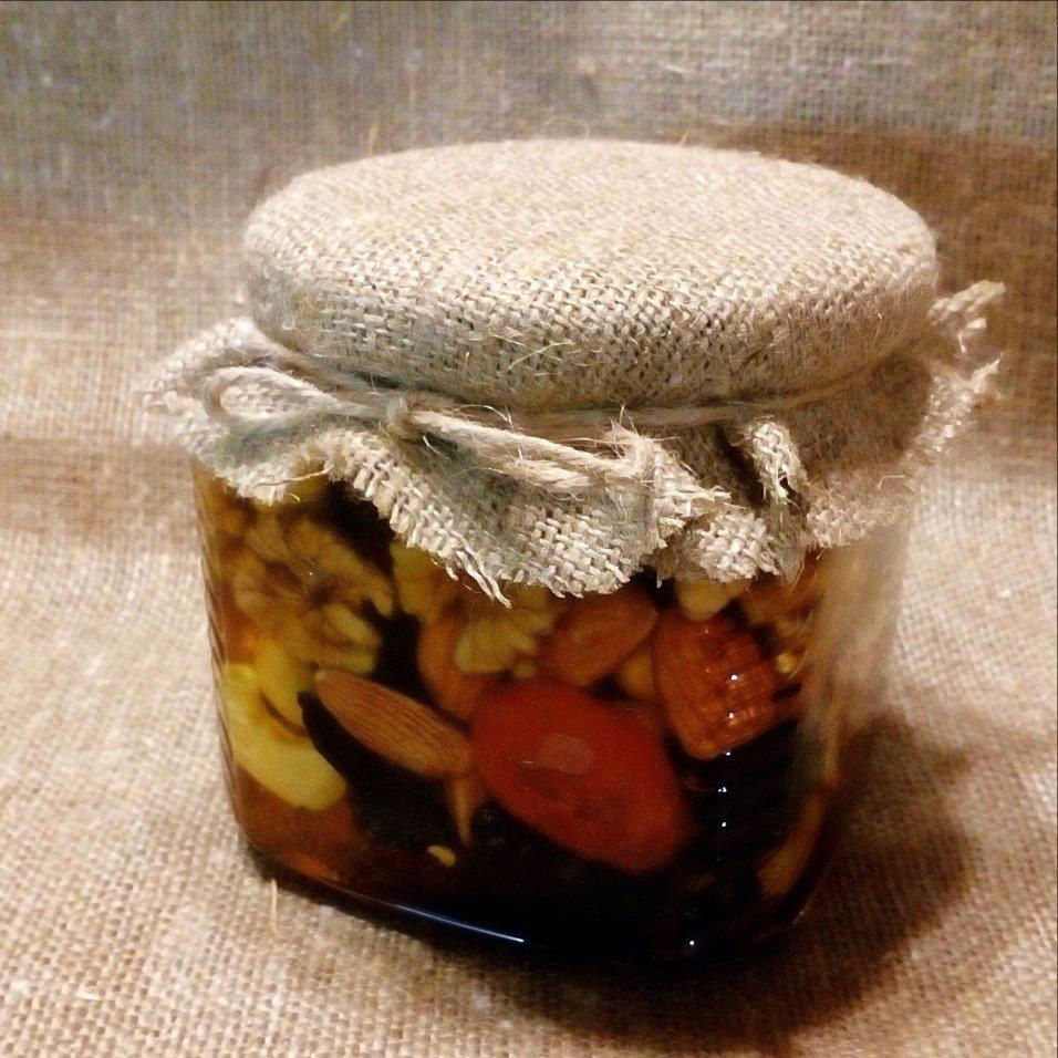Орехи и сухофрукты (россыпью) в меду, 250 мл.