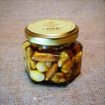 Орехи в меду (россыпью), 100 мл.