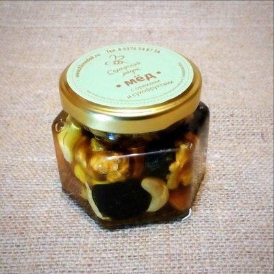 Орехи и сухофрукты в меду, 100 мл.