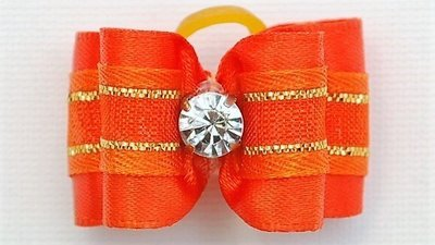 Bow with thin gold band