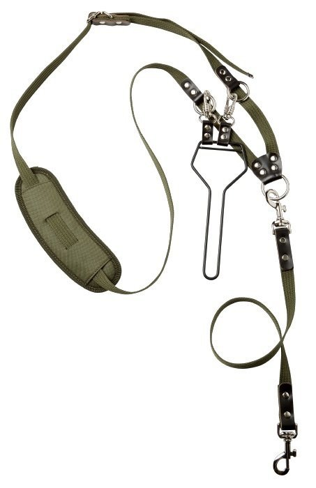 hunting leash in webbing with carrier
