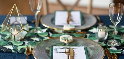 Tableware / gold cutlery