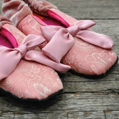 Ballerina-pantoffeltjes met strik - roze zijde