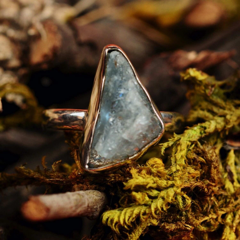 Ring in massief zilver met mineraal kwarts - Maat 59,5