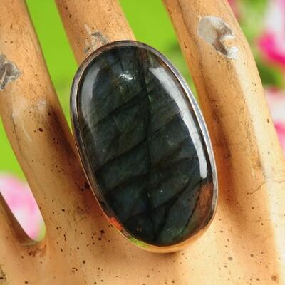 Ring in massief zilver m/zeer grote cabochon van labradoriet - Maat 55