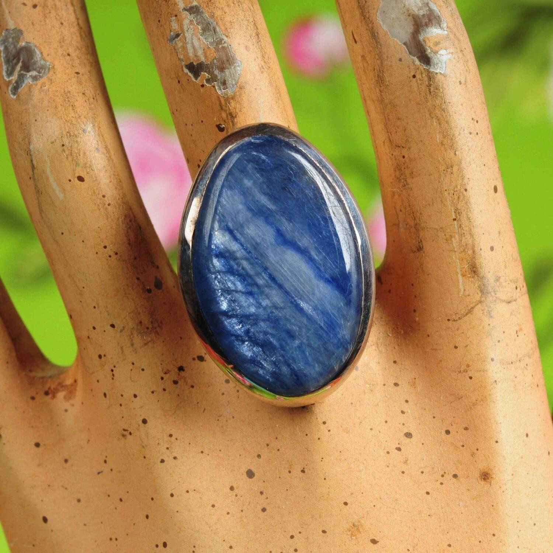 Ring in massief zilver m/grote cabochon van kyaniet - Maat 57