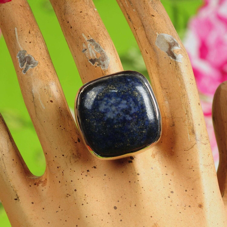 Ring in massief zilver m/grote vierkante cabochon van lapis lazuli - Maat 61