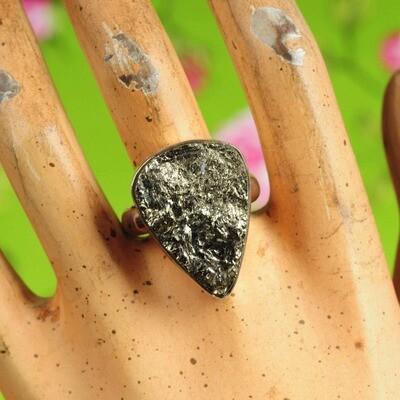 Ring in massief zilver m/pyriet mineraal - Maat 61