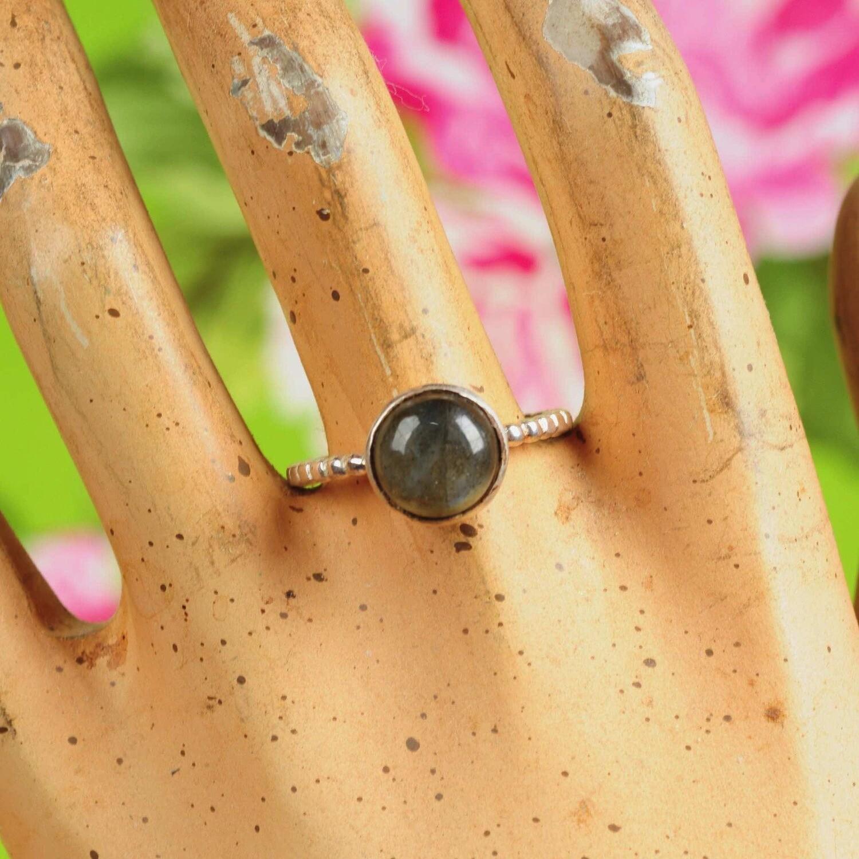 Ring in massief zilver m/cabochon van labradoriet - Maat 60,5