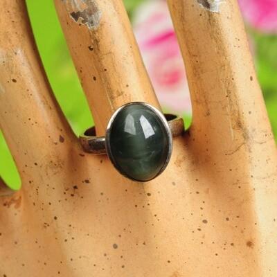 Ring in massief zilver m/grijze maansteen - Maat 60