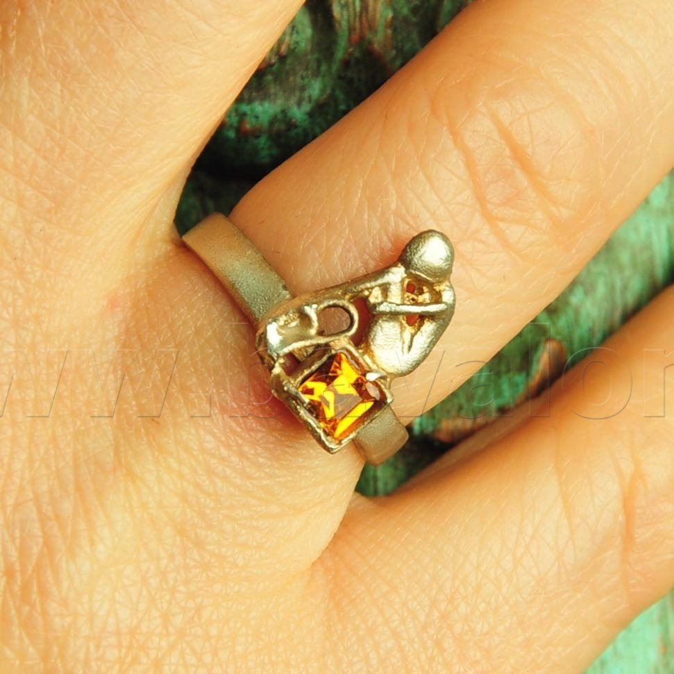 Ring 'Embrace our Soul' in massief zilver - Kaat Tilley