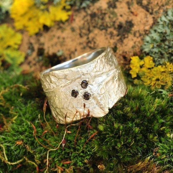 Ring in massief zilver m/3 rookkwarts briljant - Ralf De Burchgrave (België)