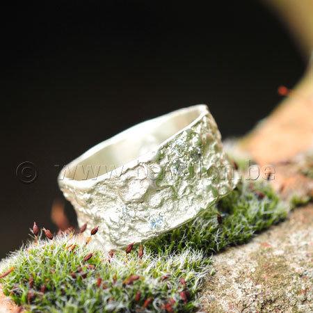 Ring in massief zilver met 6 briljantjes zirkonium - Ralf De Burchgrave (België)