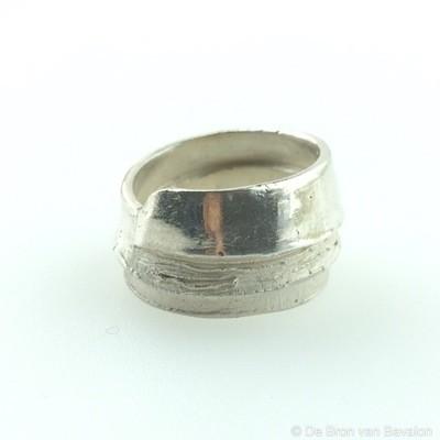 Ring in massief zilver - UNICA - Alex Fabry (België)