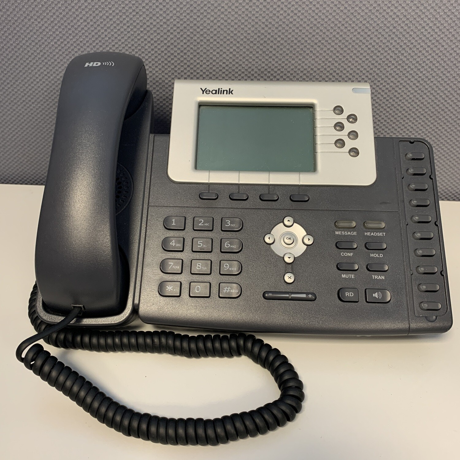 USED Yealink T28P VoIP telephone