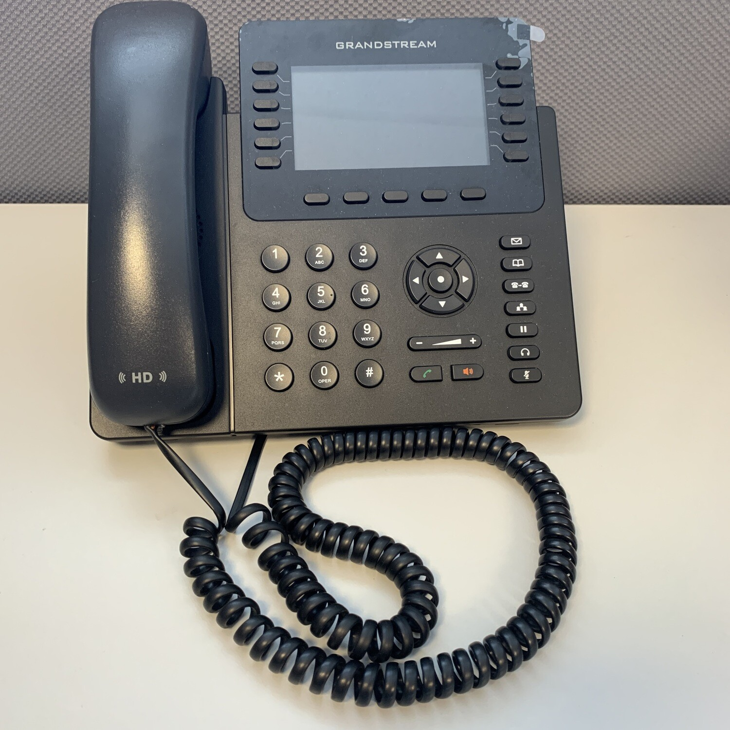 USED Grandstream  GXP2170 VoIP telephone