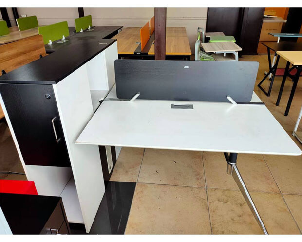 (Sale) Ofix 231-OF (120x120) 2 Seaters Desk (Black+White) (Scratches/Stains)