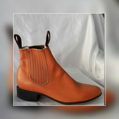 Booty Villa del Carbón Classic sole cowboy color: chedron