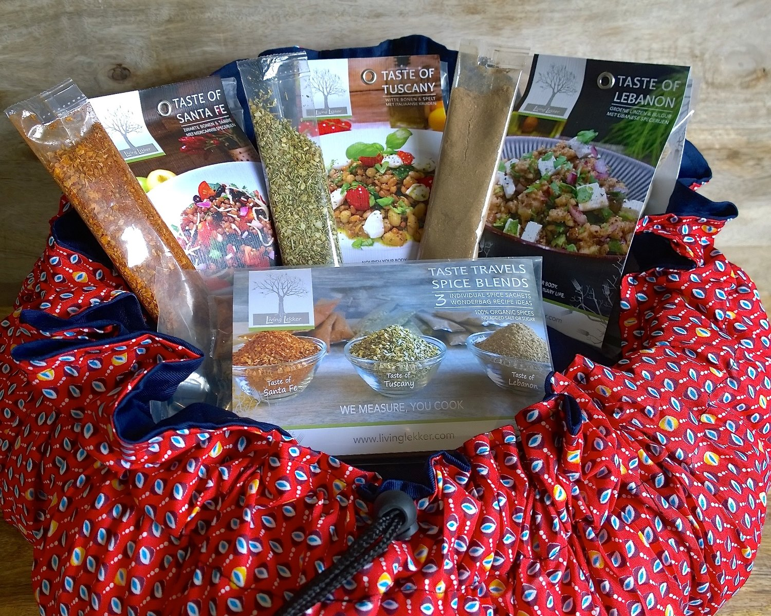 WONDERBAG & TASTE TRAVELS BUNDLE: Choose 1 Wonderbag, 1 Spice Package, 1 Superfood kit (€63,00 value)