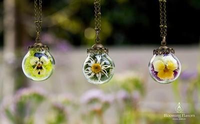 terrarium botanical pendant