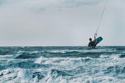 Kiter in actie Zandvoort - print op paneel
