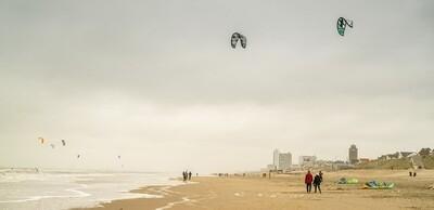 Kites op het strand - print op canvas