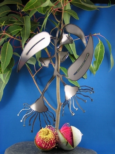 Gumflower with leaves Metal art
